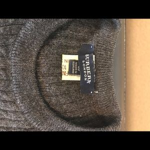 Woman's Burberry cable Knit Sweater